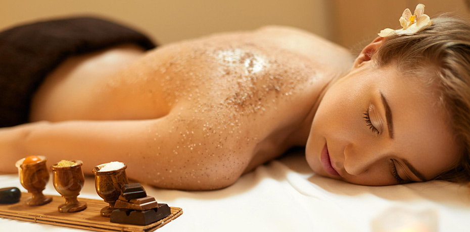 Oil Massage + Body Scrub - The perfect combination for those seeking to pamper themselves to our signature Oil Massage+Hot Stone treatment and our revitalizing Body Scrub. Benefits of our body scrubs includes the removal of dead skin cells, and improving the skin's vibrancy and glow.60 MIN SESSION- $70