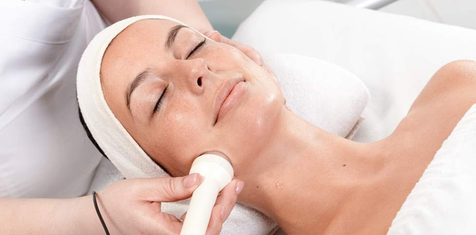 RF Skin Tightening Facial Treatment - This revolutionary age defying skin treatment immediately tightens collagen fibers in the skin and creates long-lasting lift. This treatment promotes collagen production up to 4 weeks following a treatment and can greatly soften fine lines as well as lifting the cheeks and tightening the jawline.BEST FOR: DULL SKIN, SAGGING SKIN, FINE LINES, WRINKLESNOT SUITABLE FOR THOSE WITH ROSACEA90 Minute Session- $120