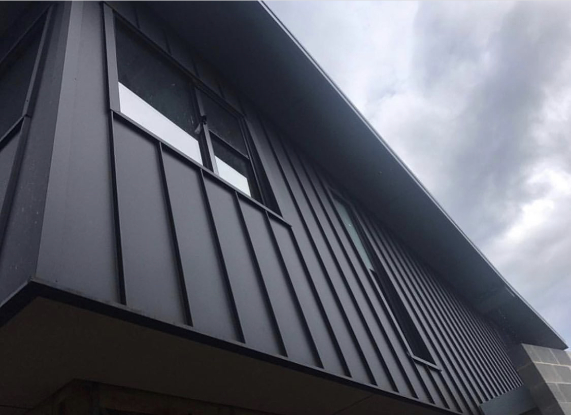 Standing Seam in Monument MATT COLORBOND®