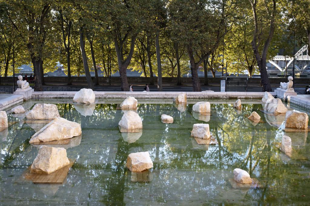 "Rodrigo Braga's exhibition ""Inland Sea"". Palais de Tokyo."