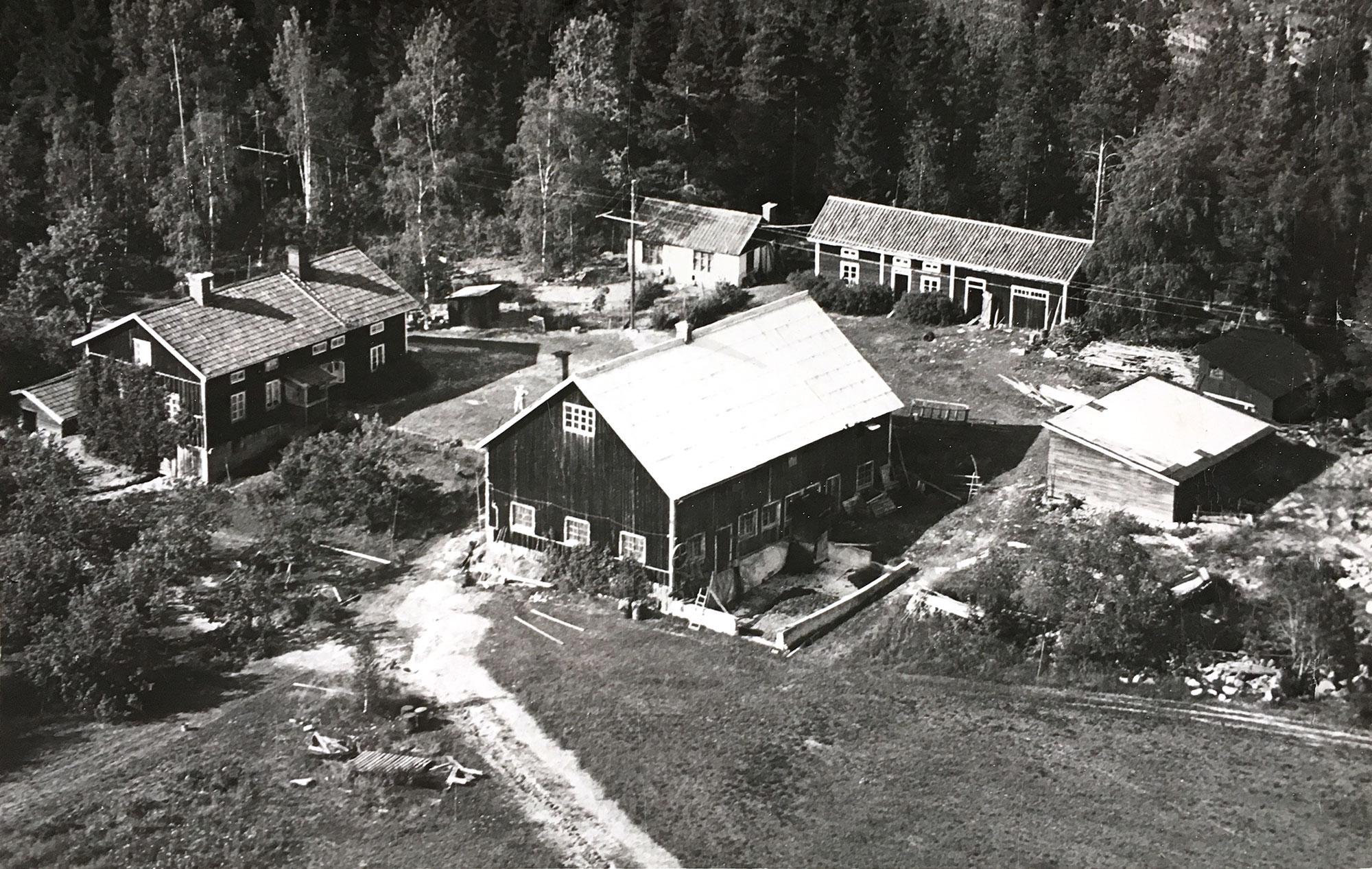 Flygbild över Stenberg från tidigt 1950-tal