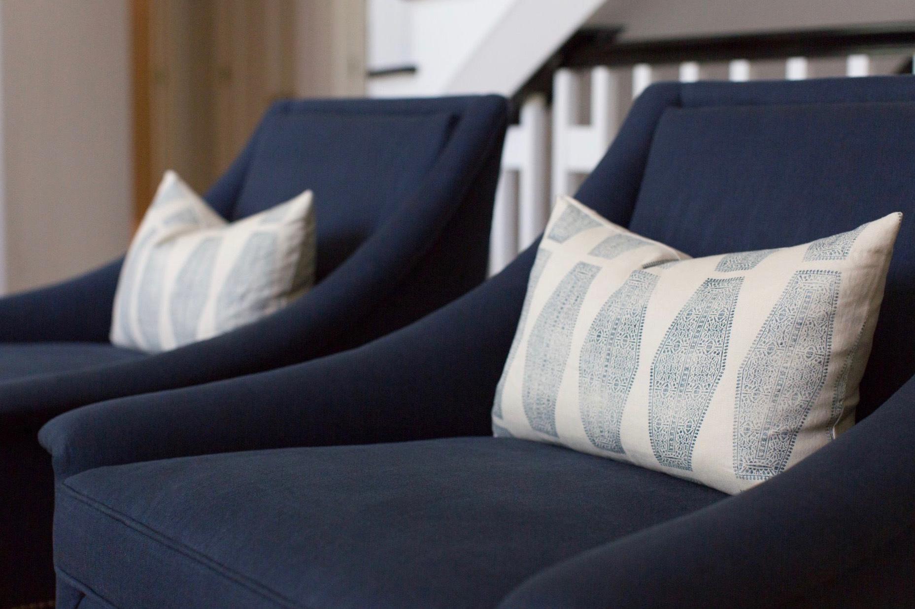 Hallbrook Living | Amanda Steiner Design | Navy Blue Linen Chairs