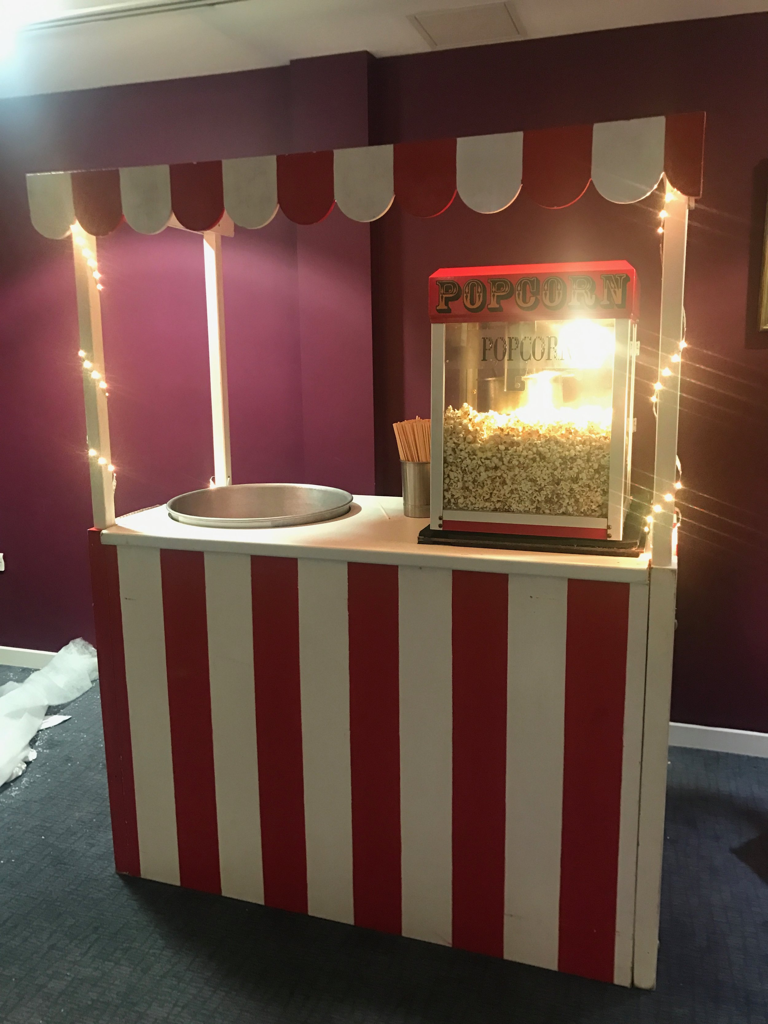 Candyfloss & Popcorn on our double serving station