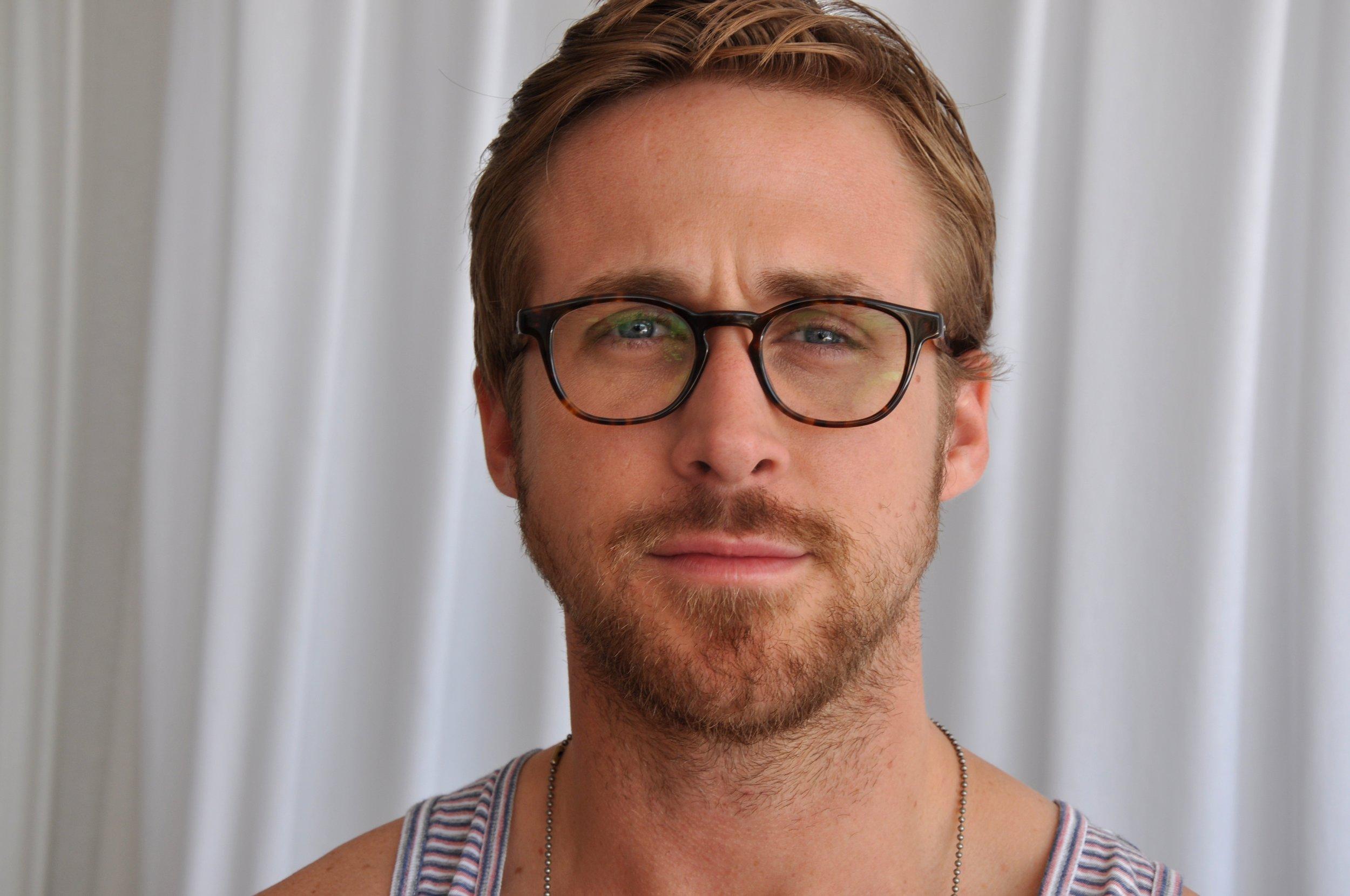 Ryan_Gosling_-_Cannes_Film_Festival_-_02-1.jpg