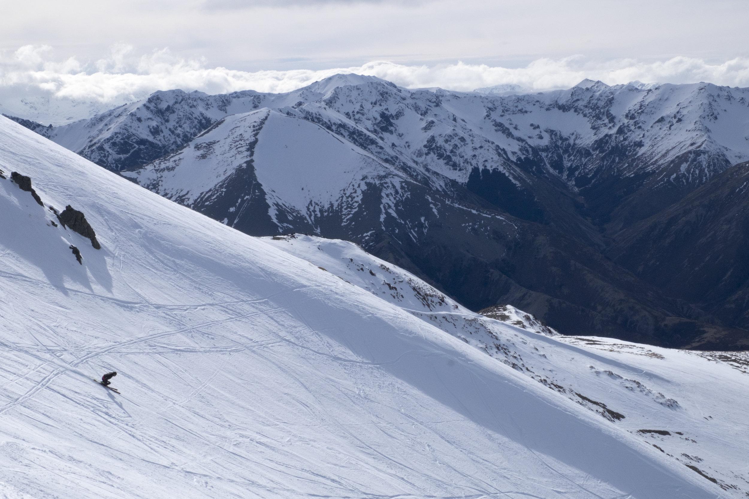 Ski Area Terrain - 10% Beginner / 60% Intermediate / 30% AdvancedLIFTS: 1 Poma Lift (807 m)/1 rope tow / 1 fixed grip learners towELEVATION: 1769 mVERTICAL: 310 mIN BOUNDS SKI TERRAIN: 52 haTERRAIN PARK: one big natural park! Get amongst!