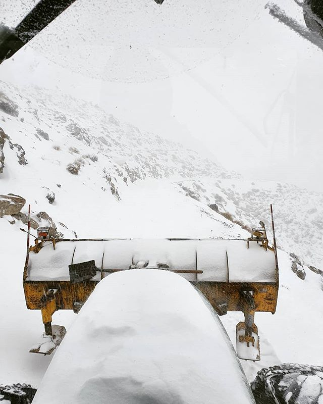Well it looks like the snow gods might be answering our prayers 🌨🌨🌨 Not enough for us to open yet but it will help establish a decent base. Stayed tuned over the next week!  #skitheclubbies #skihanmer #nzmustdo #nzclubfields #hanmersprings #hanmerspringskiarea #christchurchnz