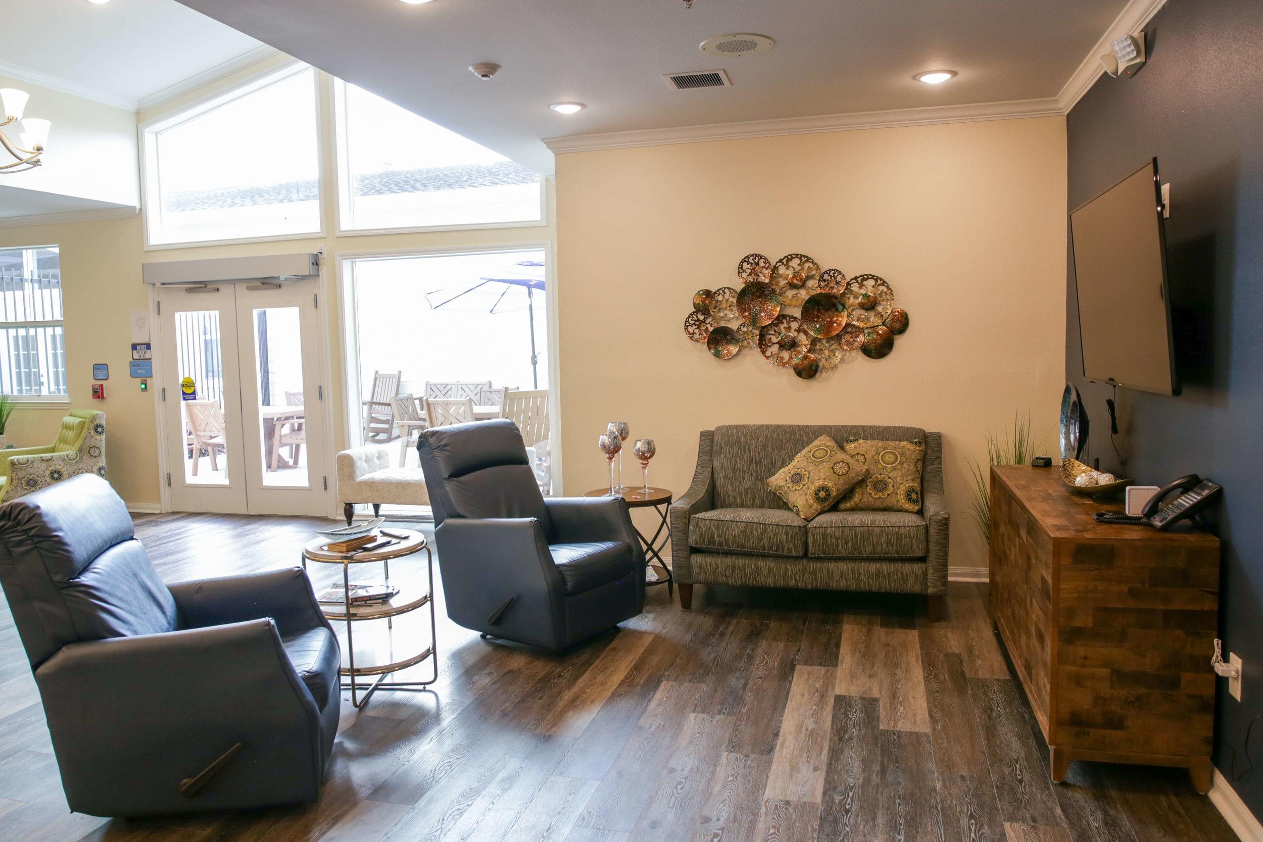 cosy lounge (2).jpg