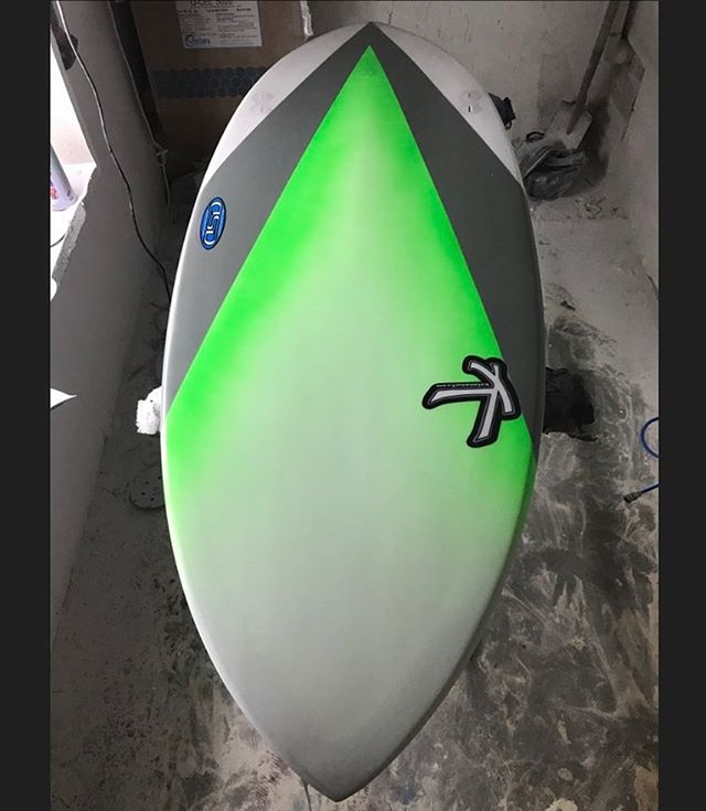 Custom Kneeboard with a faded lime colour. 👌 . . . #katanasurf #katana #dsd #surf #surfing #surfer #surfboard #knee #board #kneeboard #custom #handmade