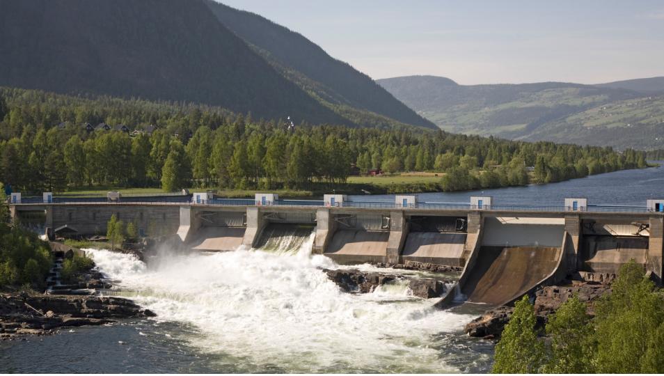 Energibyrået ACER kan ikke pålegge Norge å bygge nye kabler til utlandet, og miljømål i norske vassdrag besluttes i Norge. Foto: Bent Nordeng