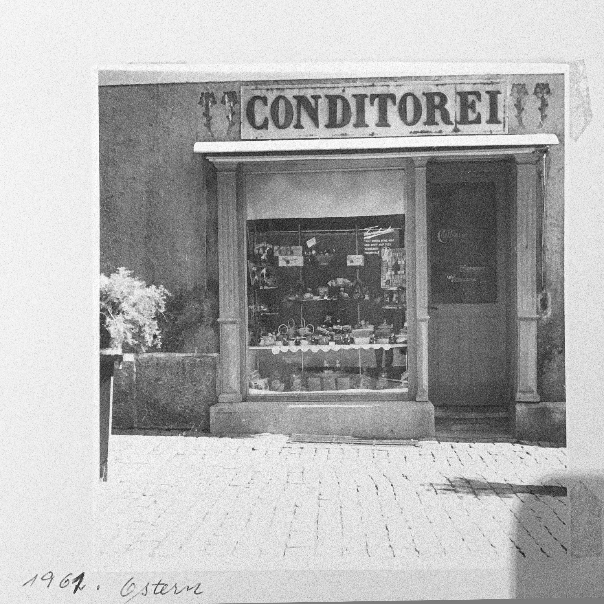 Cafe Tanner - 1961 , Rapperswil Switzerland