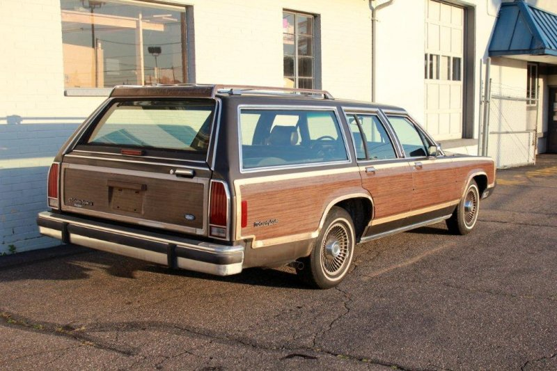 wood-panel-wagon.jpg