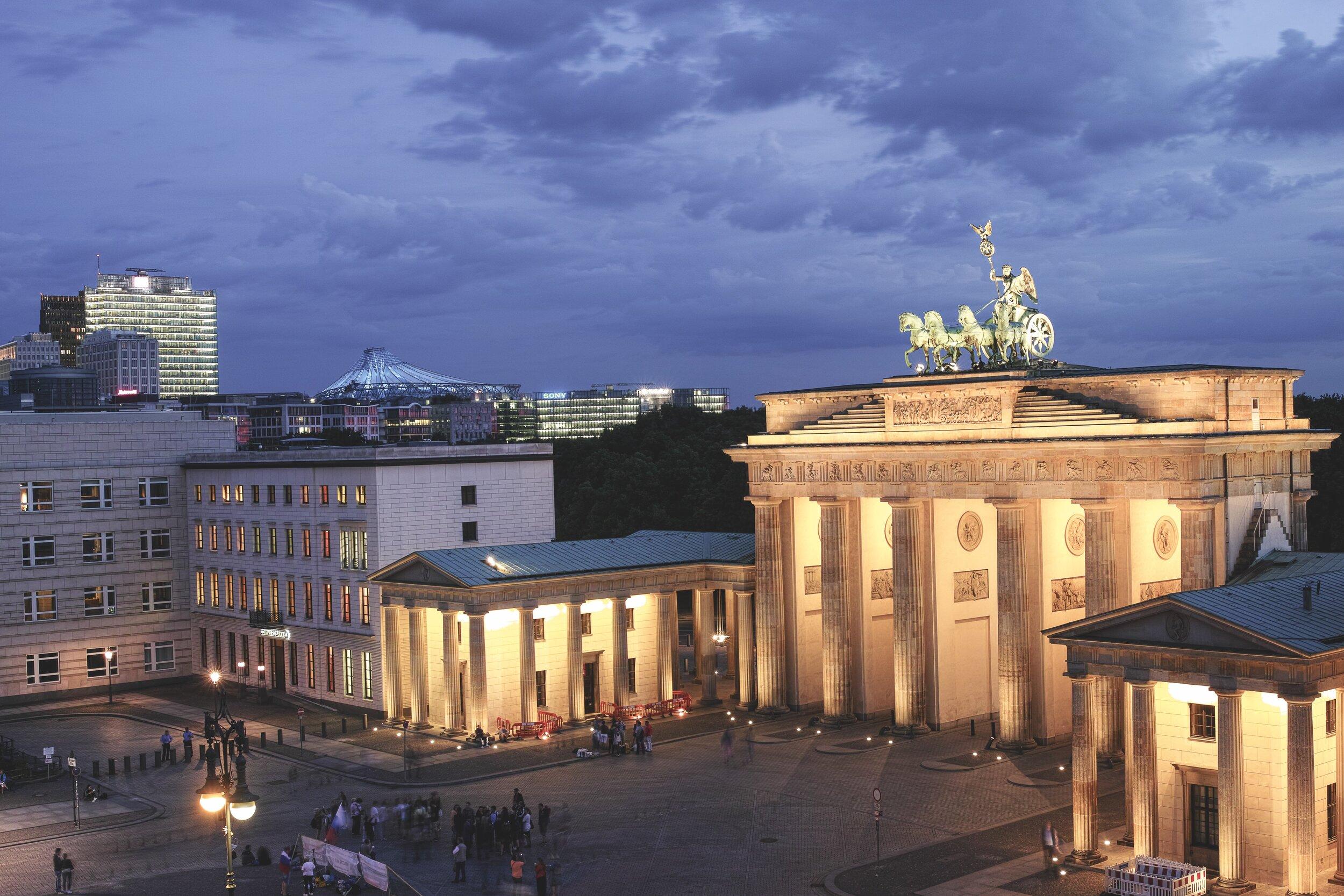 BrandenburgerTor_c_visitBerlin_Foto_Schramm (3 von 9)_OCV.jpg