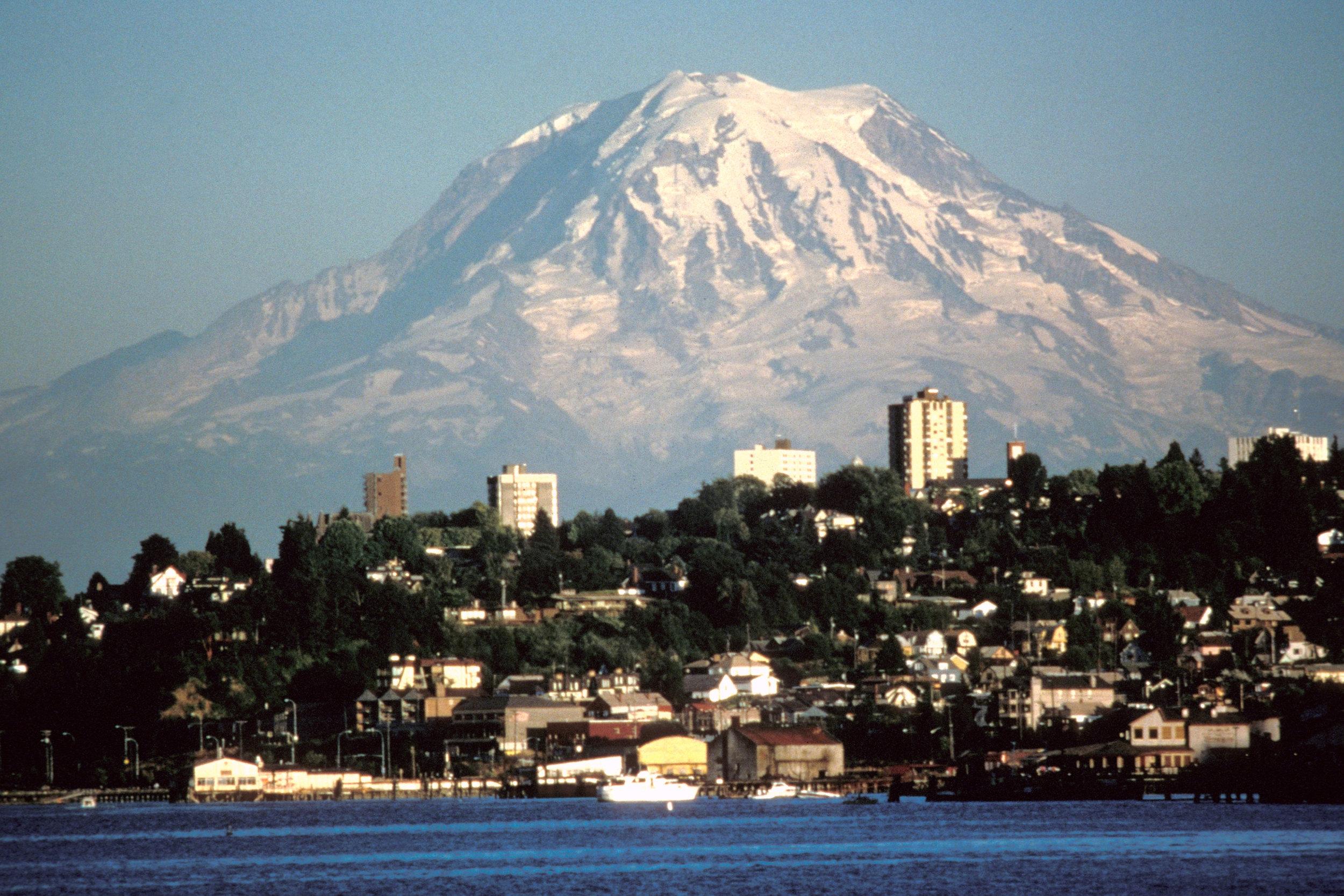 tacoma-with-a-view-mount-rainier-washington.jpg