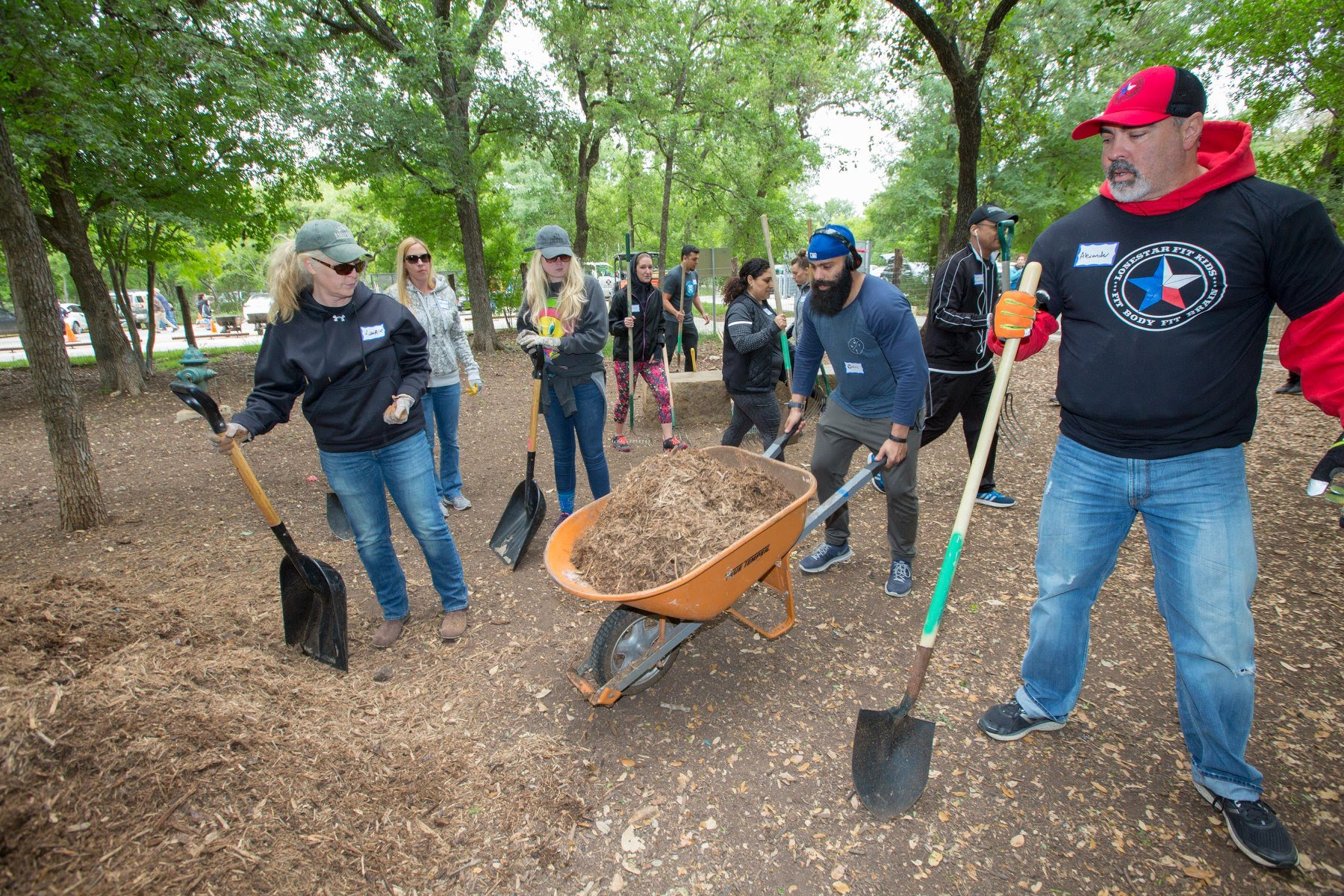 Volunteer - Volunteers play a vital role in keeping the park pristine. Join in on one of our many volunteer events, or volunteer on your own. There is always something to do!