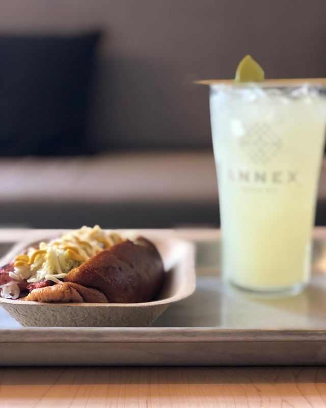 Rainy Saturday plans: hit up the soda shop for a Moscow Mule and Dad Dog from @lilempireburger.