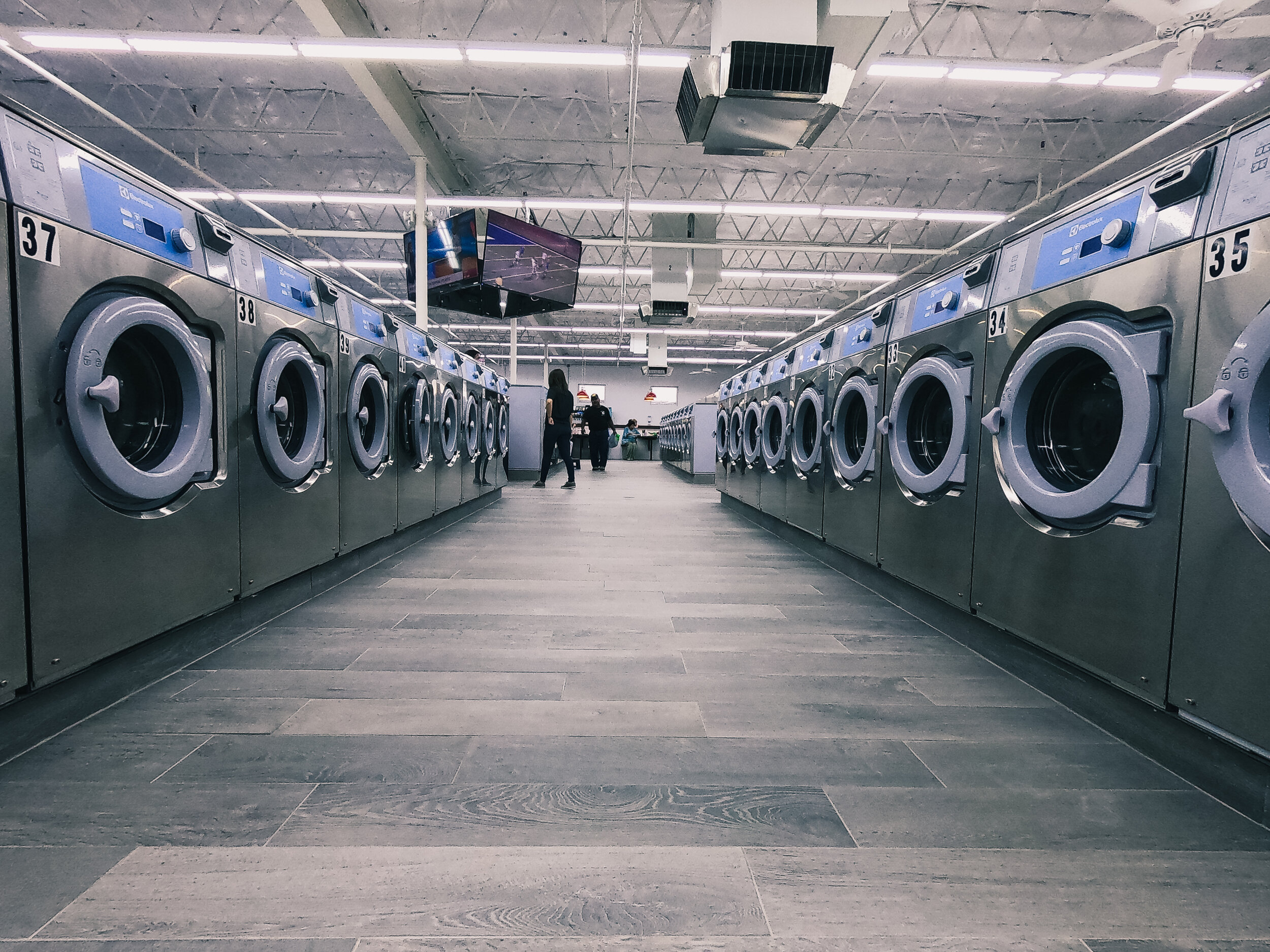 Laundry Luv Laundromat