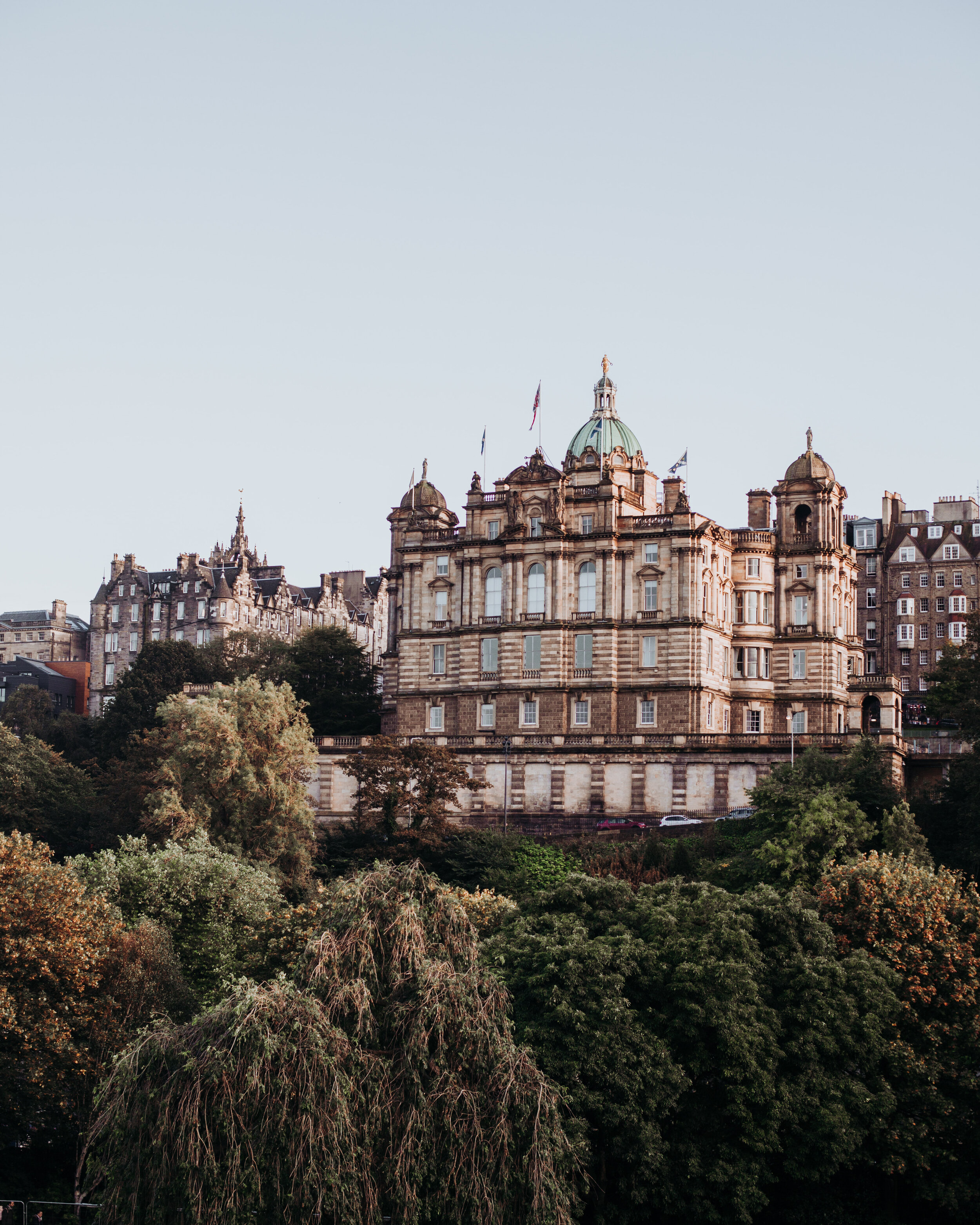 The building to the left is our hotel. Taken from Princes Street! / Photo: Emilia Wallin