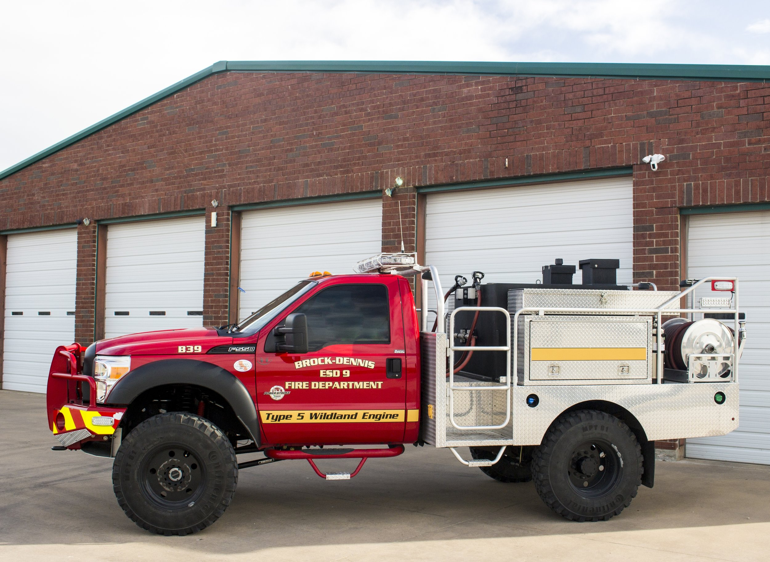 B39 - This truck is a 2012 Skeeter built by Sidioons Martin on a Ford f550 chassis. This truck carries up to 400 gallons of water and foam. It's primary use is for brush fires found in rough terrain. This was one of the first trucks purchased by Parker County ESD #9 and replaced its1980's model predecessor