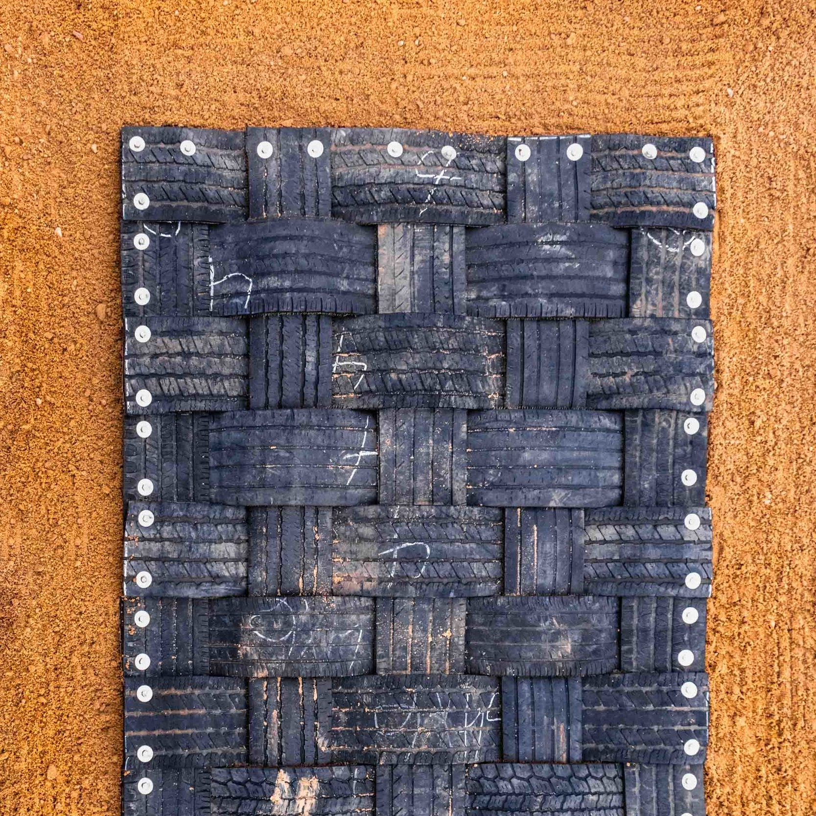 Double D Cattle Mat: Aerial view.