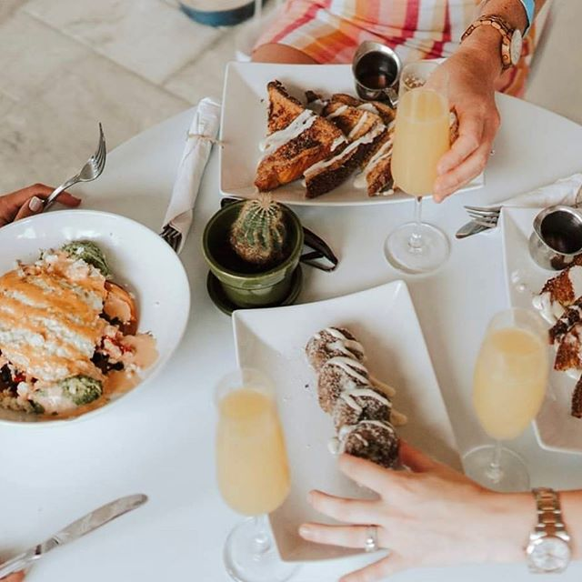 """BOOZY BRUNCH 🎉 This Sunday come join us from 10am-1pm and kick off your Sunday the right way. We will be featuring a couple yummy """"Fall"""" themed items (did someone say pumpkin pie French toast?)Bottomless mimosas = $15 Wine, Beer, Kombucha, Coffee, Tea AND music by Doug Kress 🎶"""