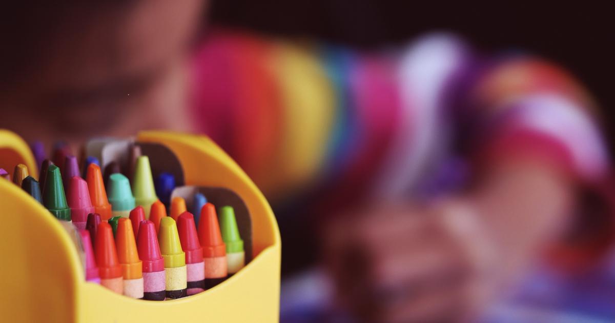 crayonBoxAndKid_webDefaultSize.png