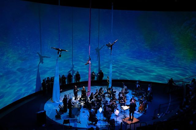 Delighted to collaborate with @longbeachopera for tonight's gala opening for the new #hondapacificvisionstheater at the #aquariumofthepacific - the scale and technology of this venue is amazing!  #videodesign #somanypixels #immersivetheater #performance #aerialsilks #orchestra #oceana  #ohalsotheyhavesmelldesign