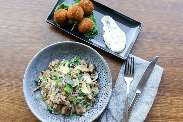 The Winter Weekday Lunch Special is on Monday to Friday! For just $30 you can have this mushroom & thyme arancini and slow cooked duck risotto. Choose your favourite two courses from a range of entrees, mains and desserts.
