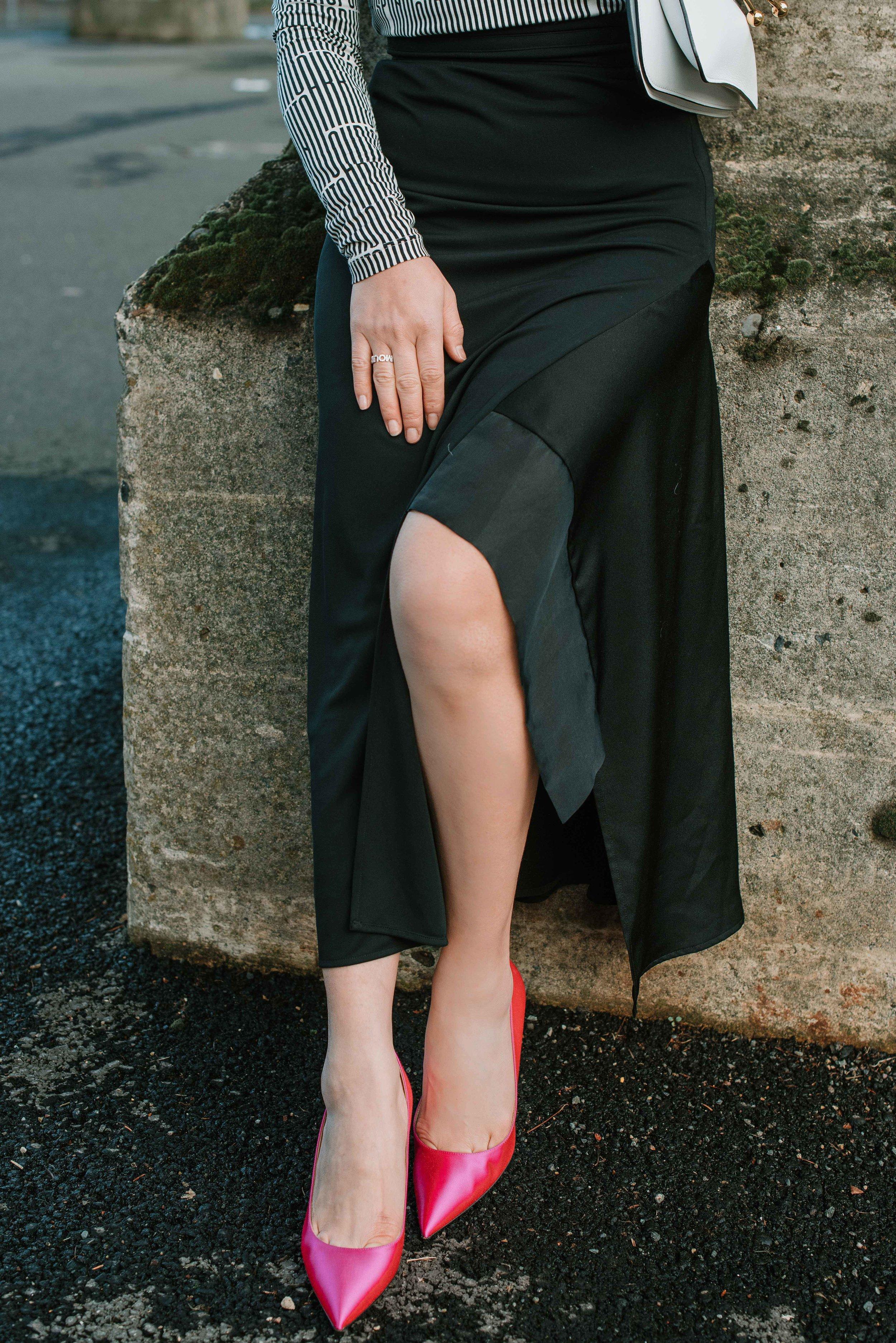 Akris-punto-turtle-neck-and-pink-shoe-7794.jpg