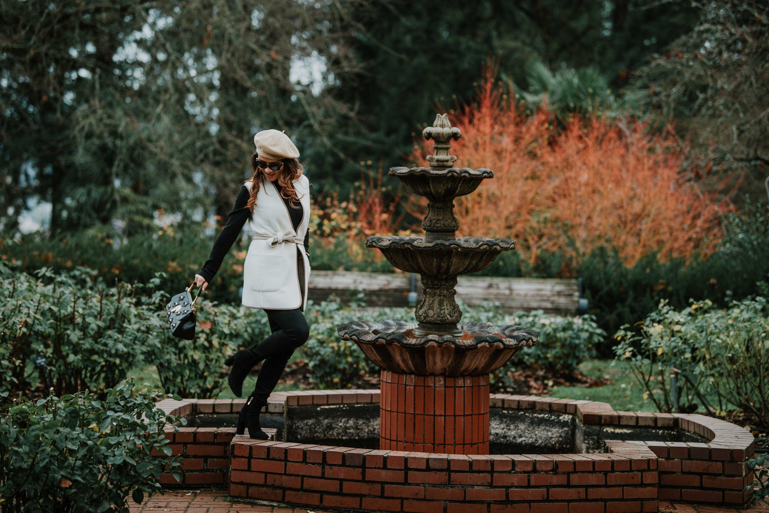 Maxmara-vest-with-baret-hat-look-5946.jpg