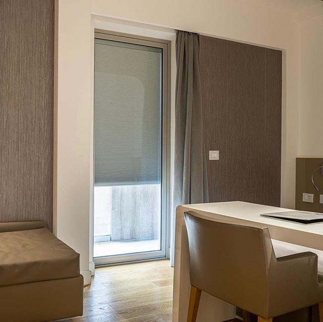 Simple internal blinds to finish the room #designandbuild #softfurnishings #internalblindsystems #australianwindowassociation #australianmade #pleatedblinds #integralblinds #integratedblinds