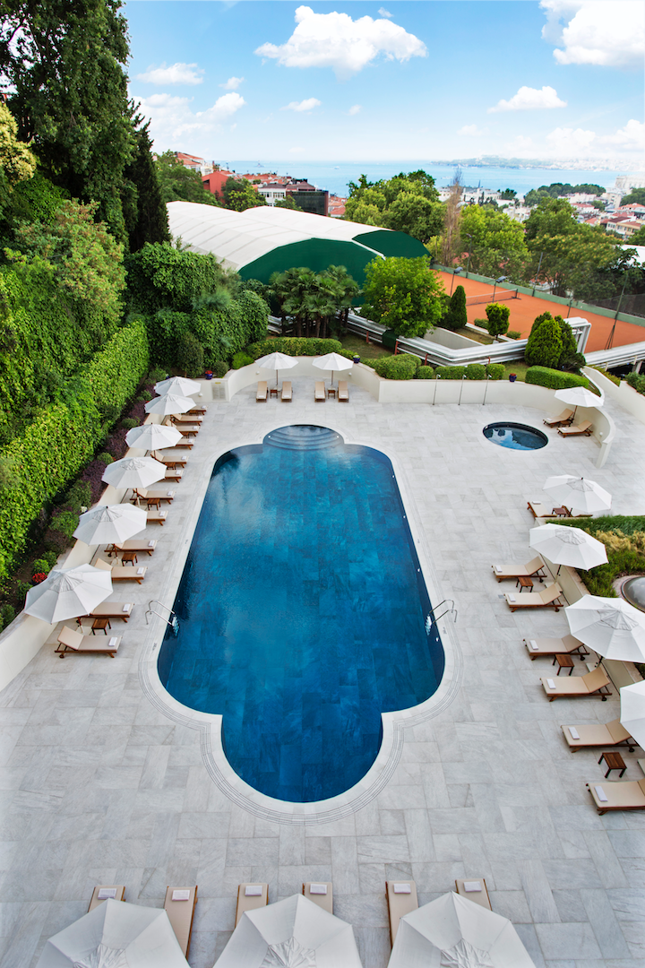 ext_opt_Conrad-Istanbul-Pool-03.png