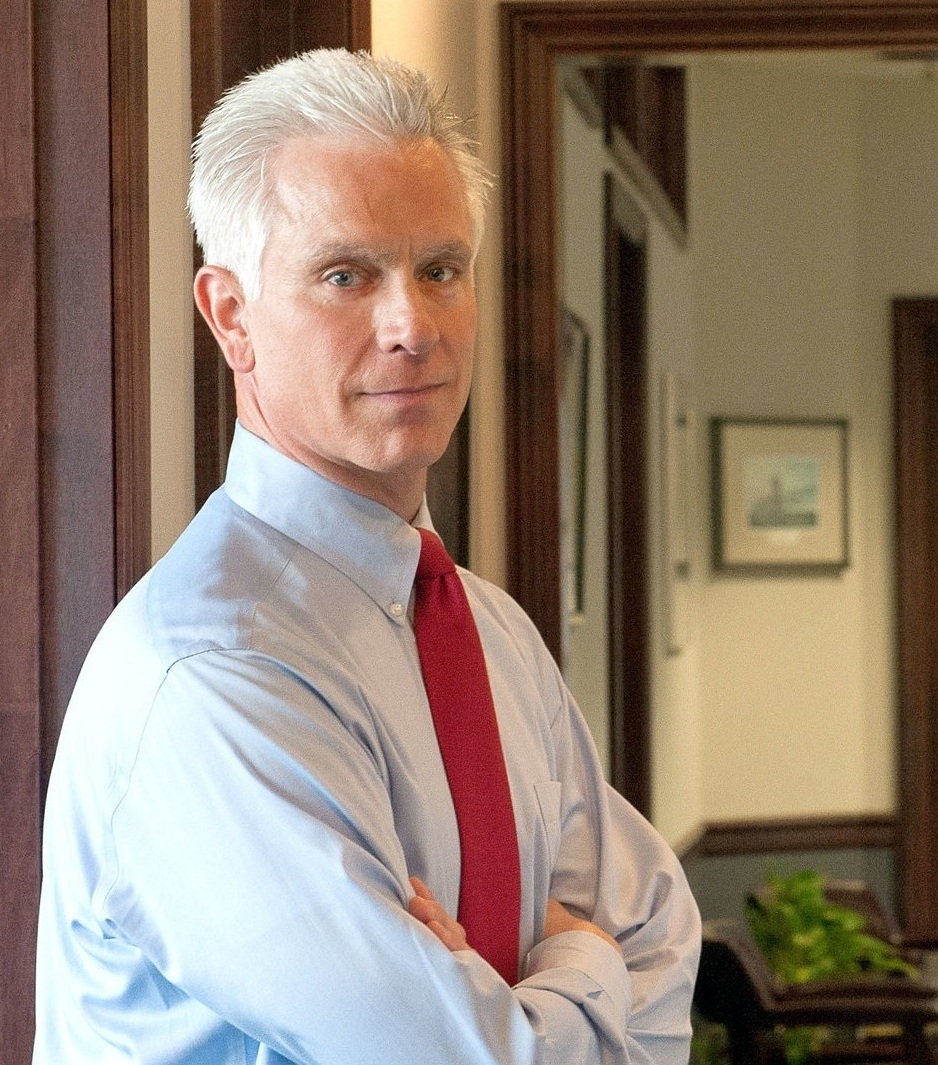 """""""I defend people who have been charged with any felony or misdemeanor in both the state and federal courts. - As I have done throughout my career, I'll bring energy, experience and commitment to your defense. The primary focus of my practice is in the area of criminal law and criminal justice reform. As a former prosecutor, I have the knowledge and experience to quickly assess a criminal prosecution and to anticipate a police officer's or prosecutor's next move."""""""