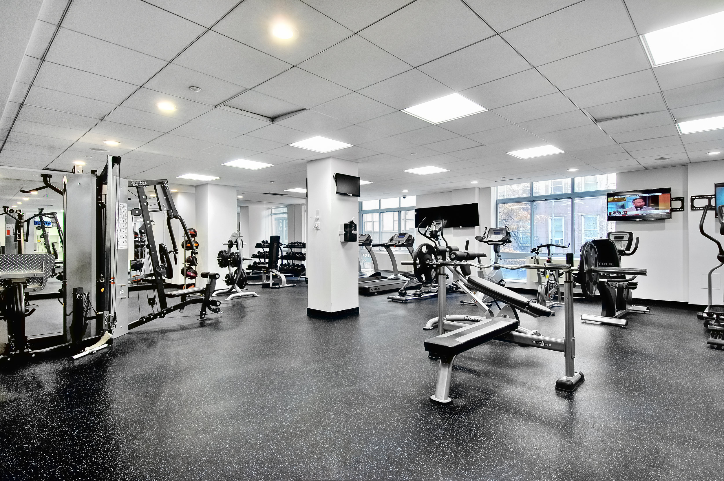 260_West_26th_St_Gym1.jpg