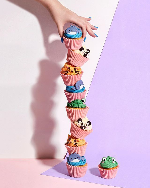 Frog-tastic (and tasty) cupcake TOWER!! 🐸🐈🐭🐻🧁🥰 here to brighten up your Monday!! SO much fun making these. And amazing photo by @ellisparrinder 📸☺️ which is your favourite cupcake? 💖 . . . . #baking #bake #gbbo #food #fun #cupcakes #cupcakedecorating #cupcakestagram #cupcakedesign #yum #foodphotography
