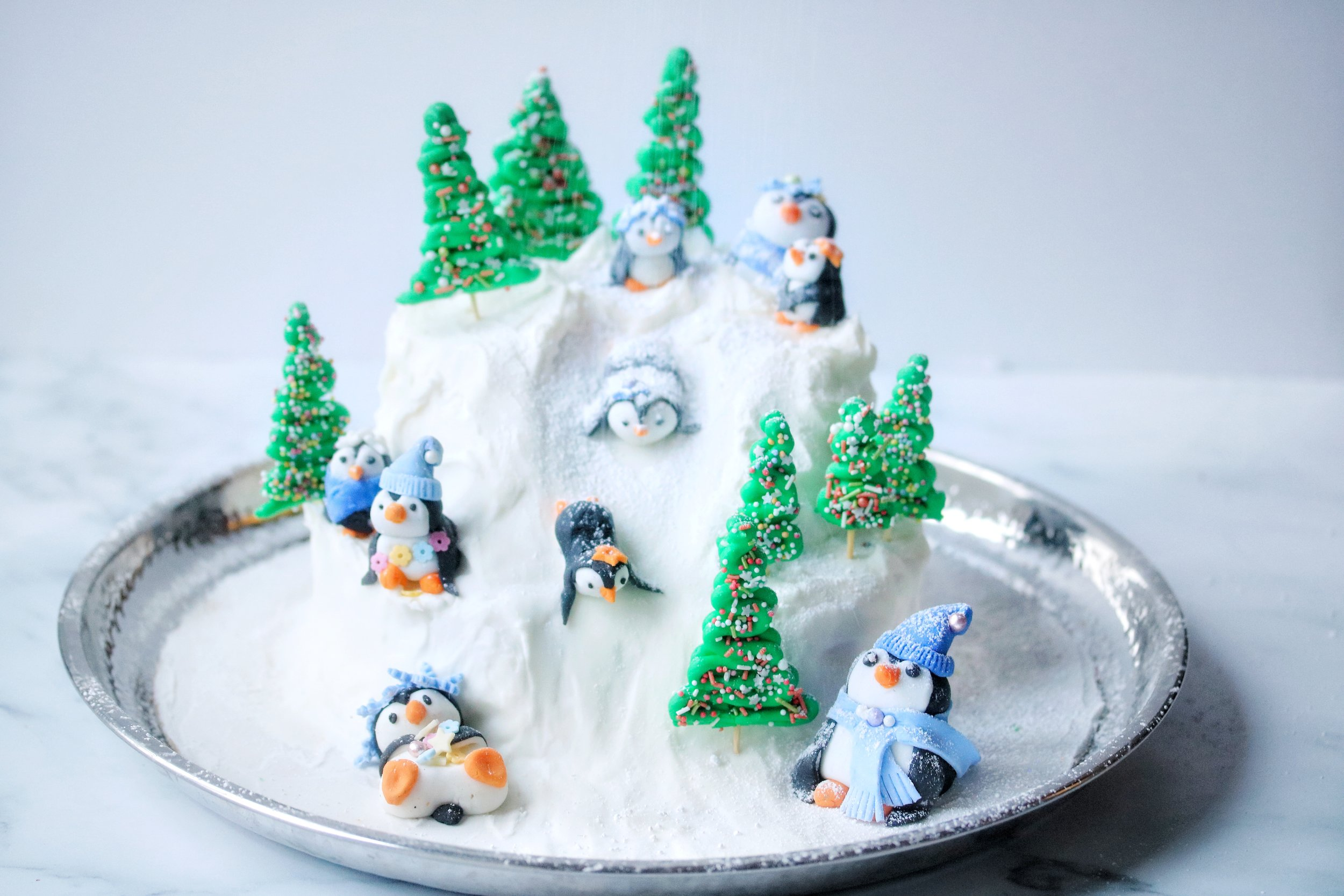 Christmas cake with penguins!