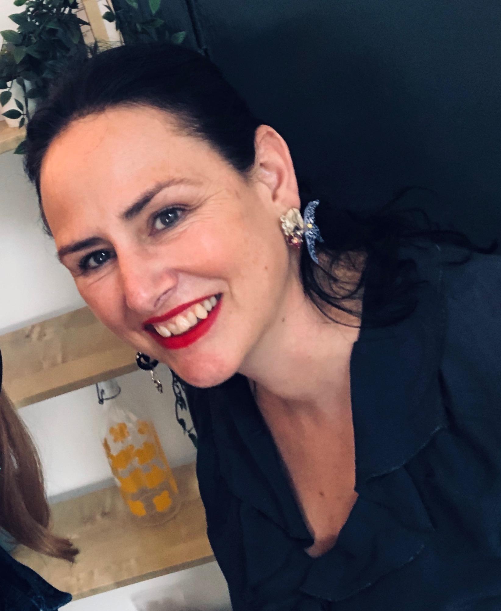 Cathriona & Anne-Marie WILDE INTERIOR.JPG