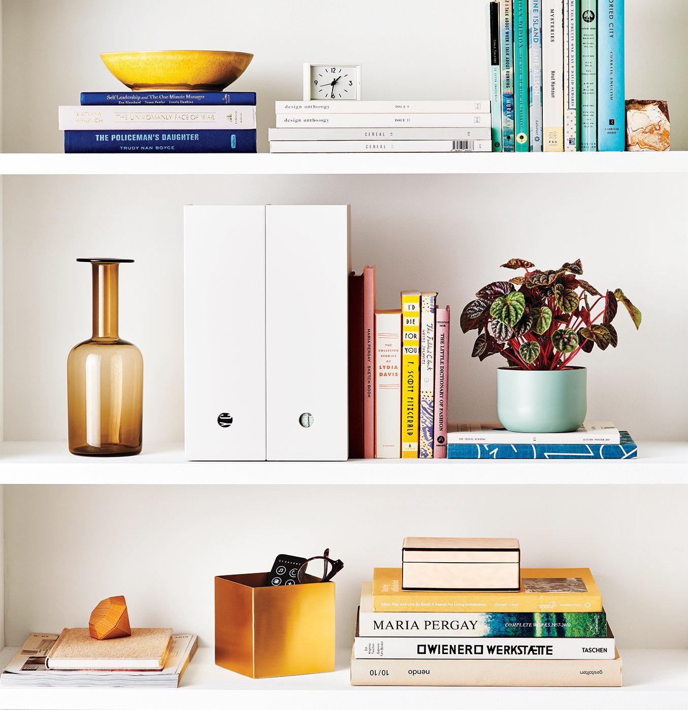 organized-bookshelf.jpg