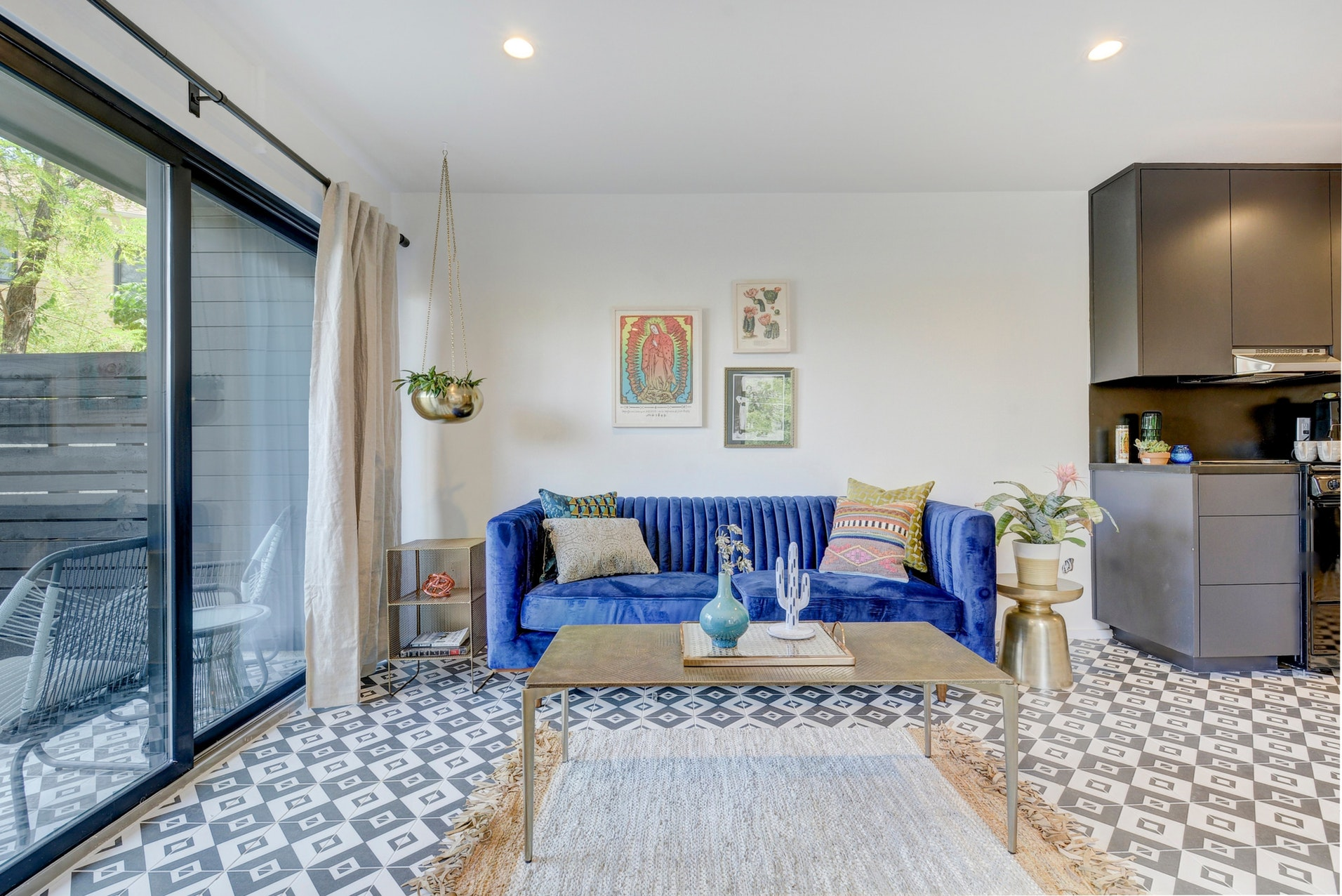 la Dueña - Short or long-term stays. Furnished & fully appointed units. Come for the night, stay for awhile.