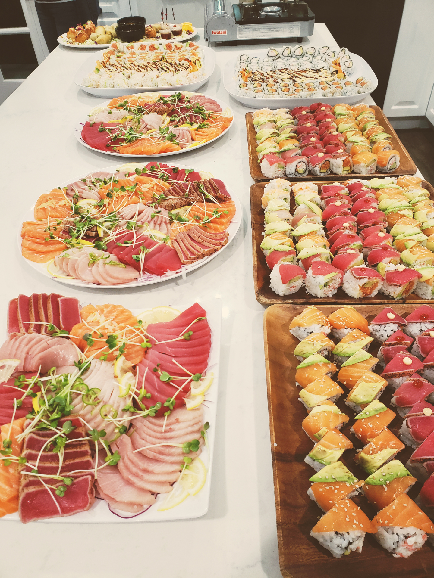 akioni-catering-sushi-teppanyaki-authentic-japanese-cuisine-hawaiian-bbq-hibachi.jpg