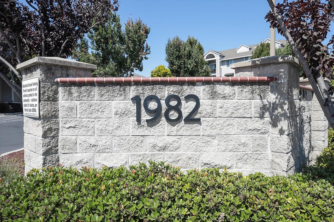 1982 W Bayshore 222 East Palo Alto Blu Skye Media-6532-X2.jpg