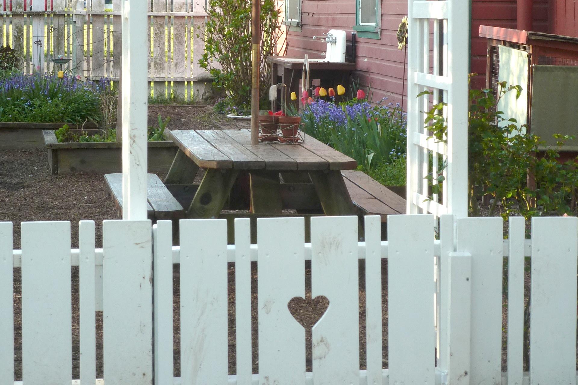 garden_30004247022_o L C.jpg