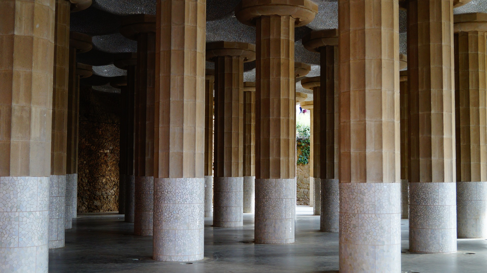 The Hall of a Hundred Columns