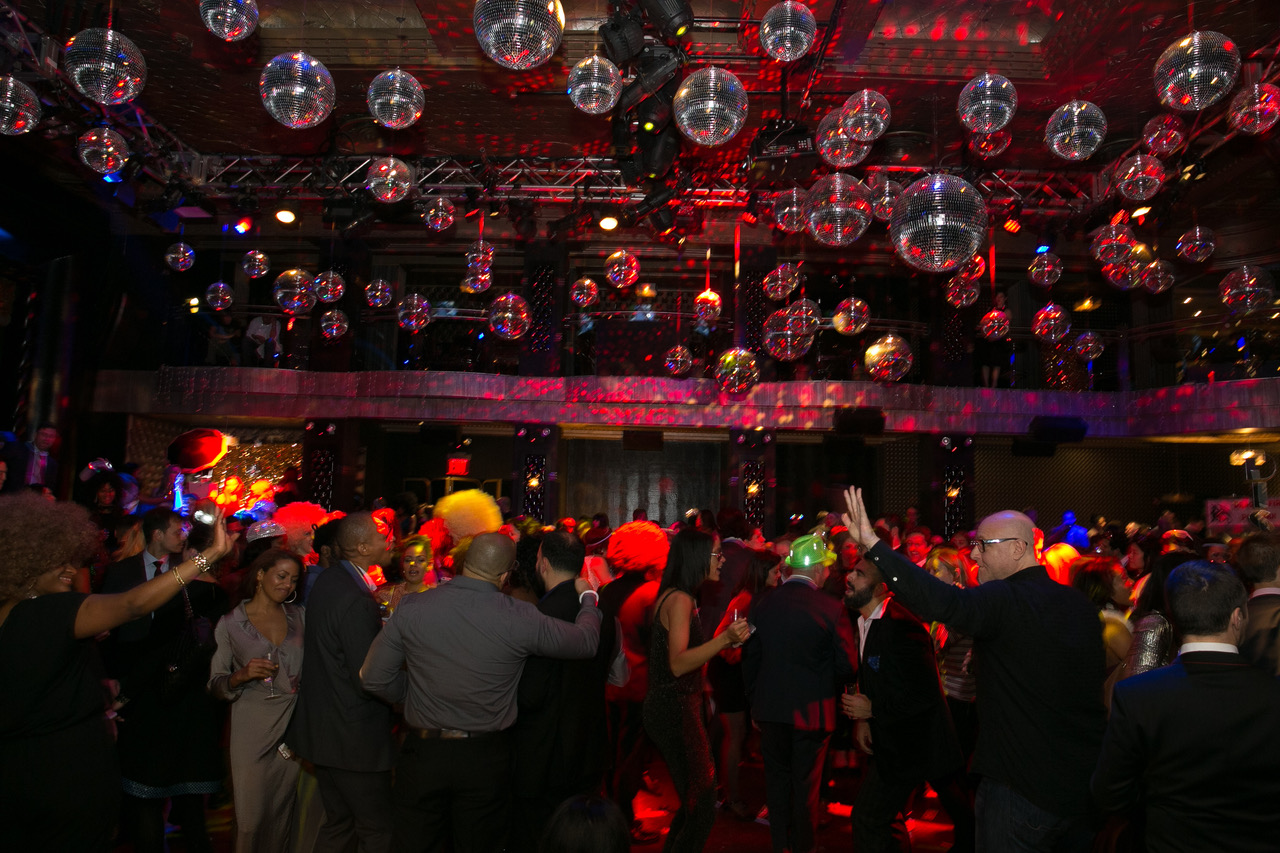 FHD-Epic-70s-Holiday_Party-9.jpeg