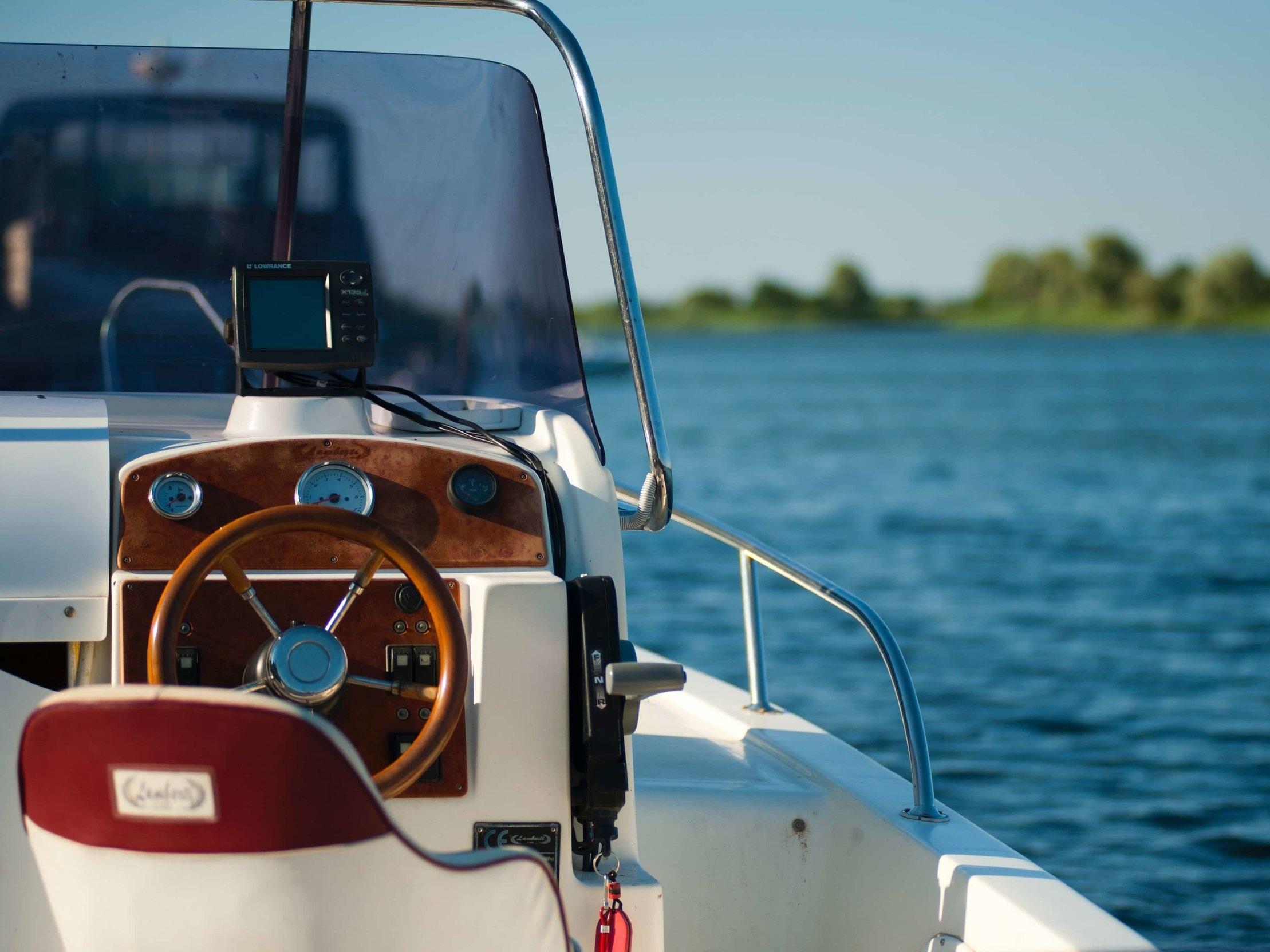 marine-boat-glass.jpg