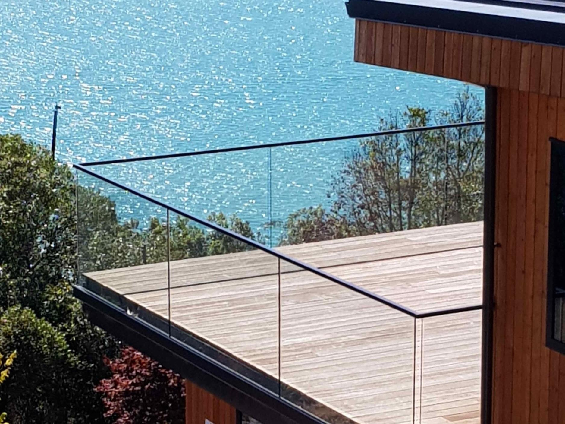 frameless-glass-balustrade-fence.jpg