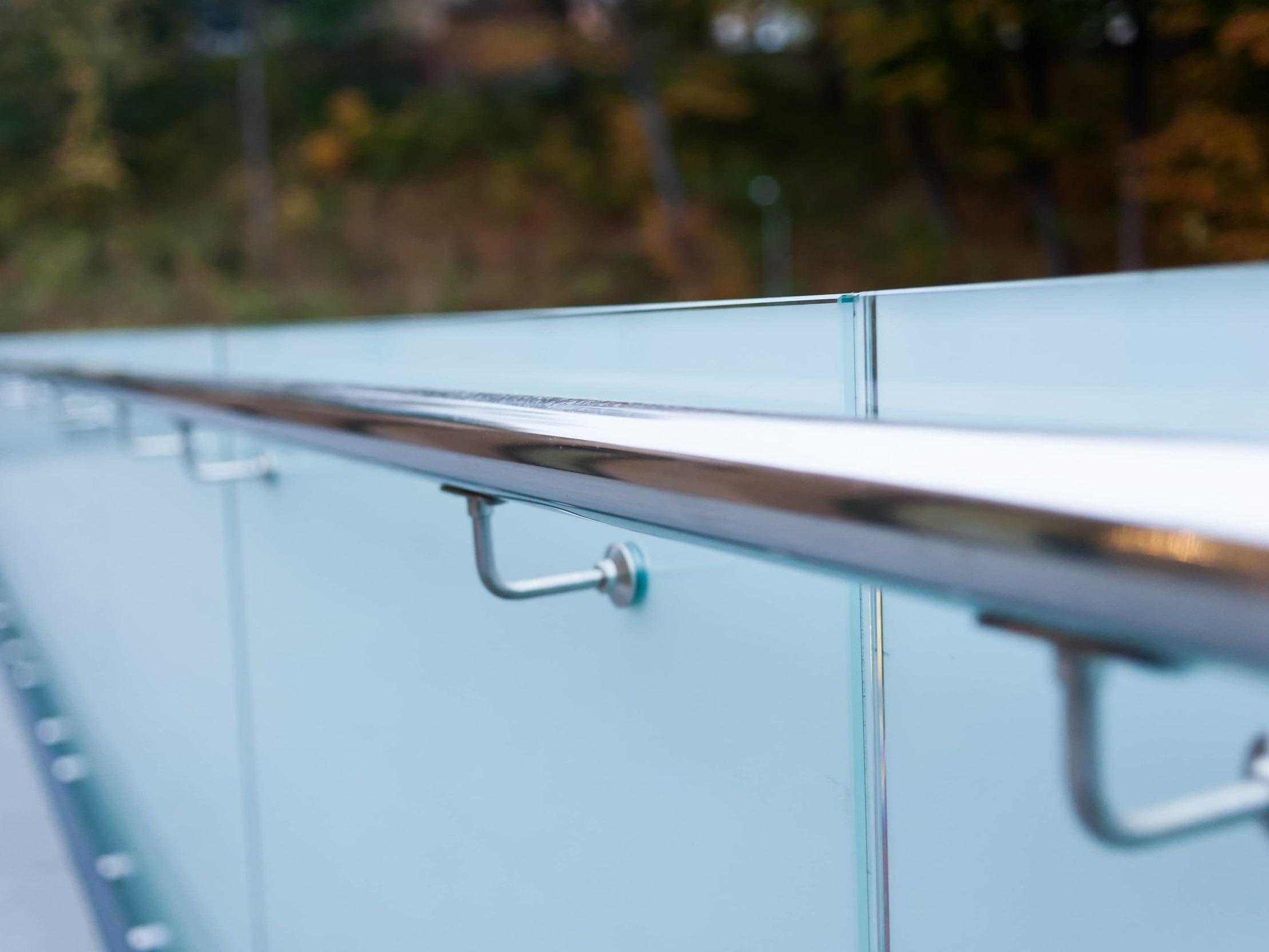glass-hardware-rail-frameless.jpg