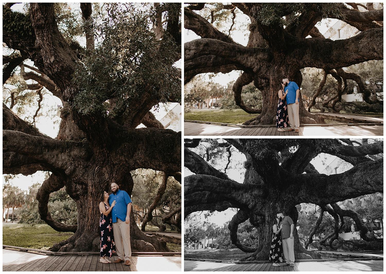 treaty-oak-and-friendship-fountain-engagement-jacksonville-florida_0637.jpg