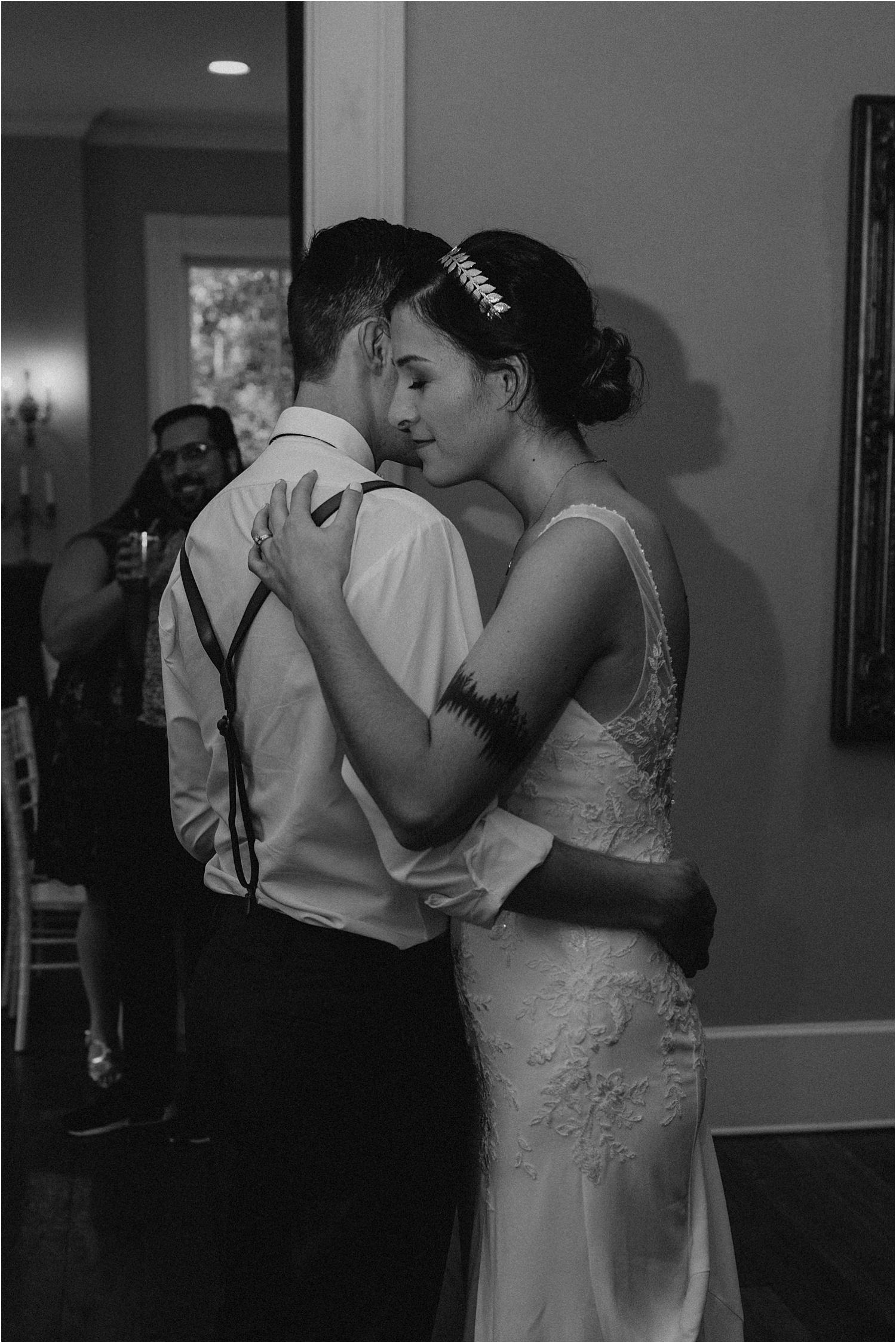 the-providence-cotton-mill-wedding-charlotte-north-carolina_1212.jpg