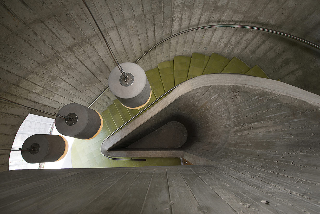 El_Blok_concrete_stairs_baldosa_hidraulica_hydraulic_tiles_vieques_boutique_hotel_puerto_rico.jpg