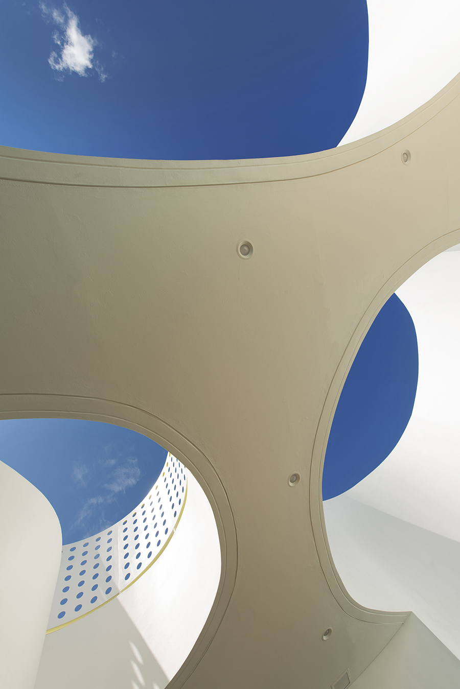 circles sky patio therapeutic pools fuster architects.jpg